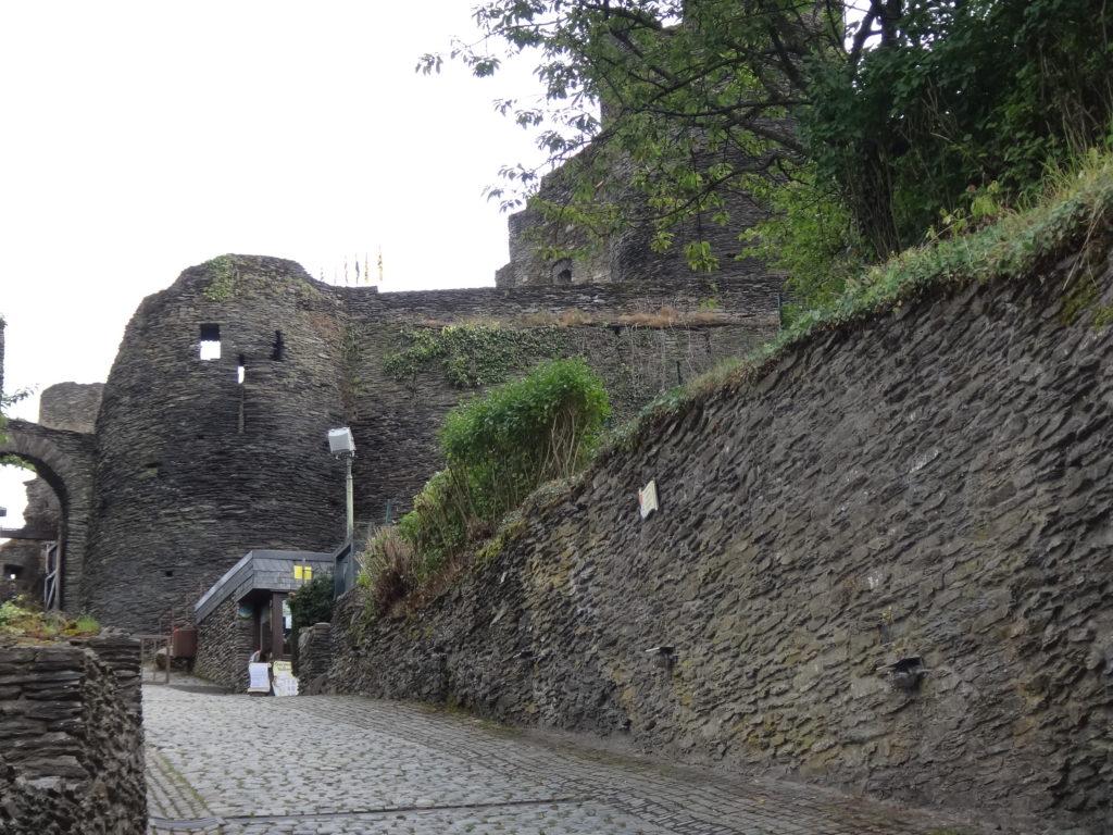 L'entrée du Château de Rochefort