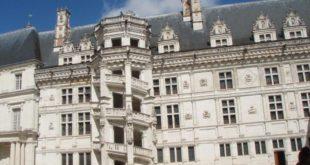 Escalier exterieur de Blois