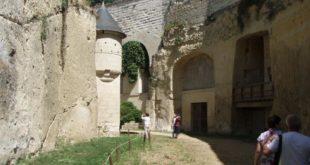 Visite des douves du château de Brézé