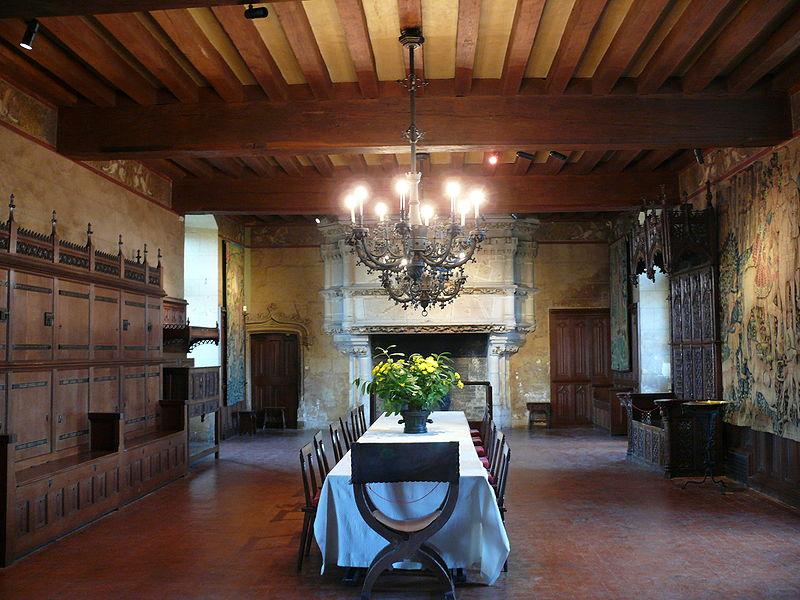 Salle de banquet au château de Langeais