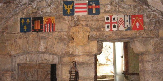 Salle d'armes du Château de Montcornet