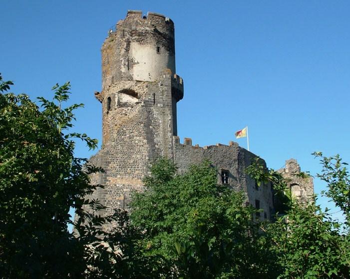Donjour du château de Tournouël