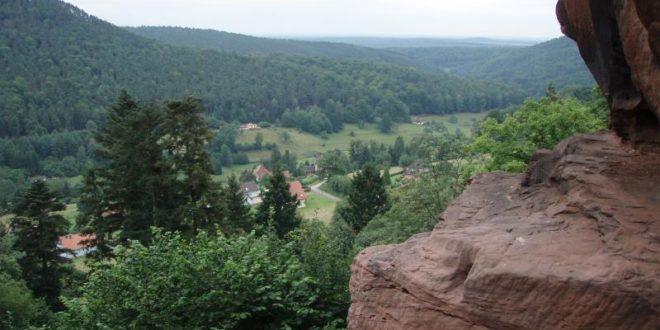 Vue du château du Vieux Windstein