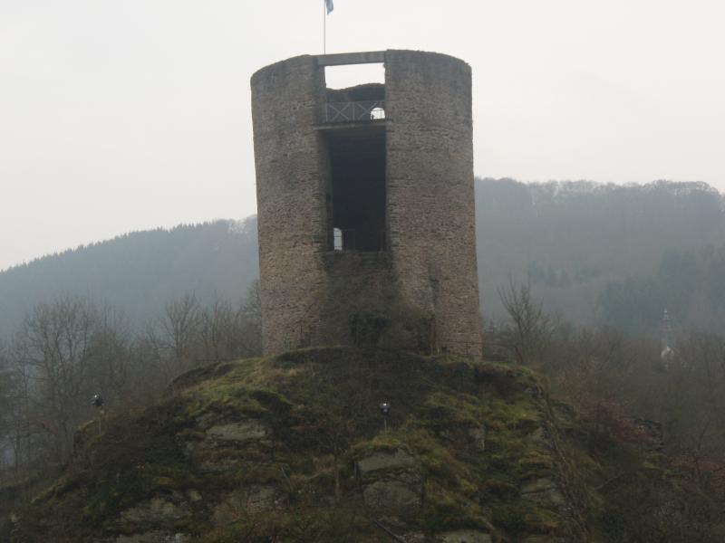 Donjon du château d'Esh-sur-Sûre