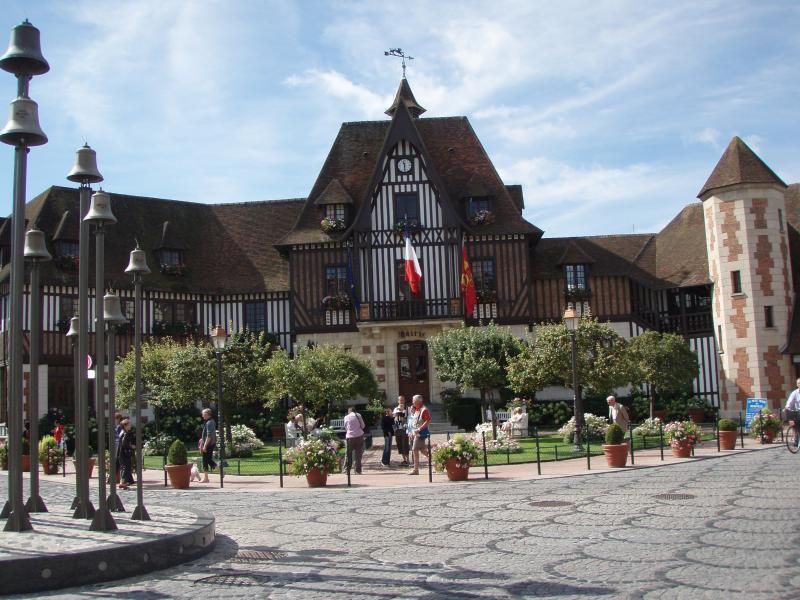 La Mairie de Deauville sur la Côte Fleurie