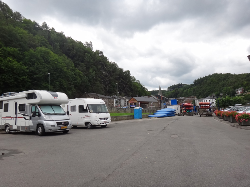 Parking à la Roche-en-Ardenne