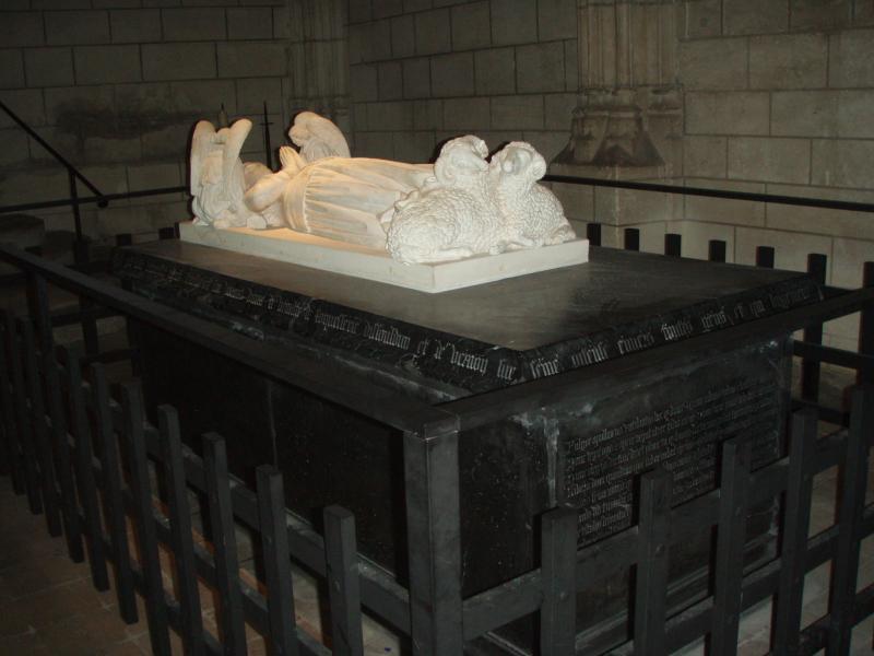 Tombe de la la Reine de Beauté à Loches