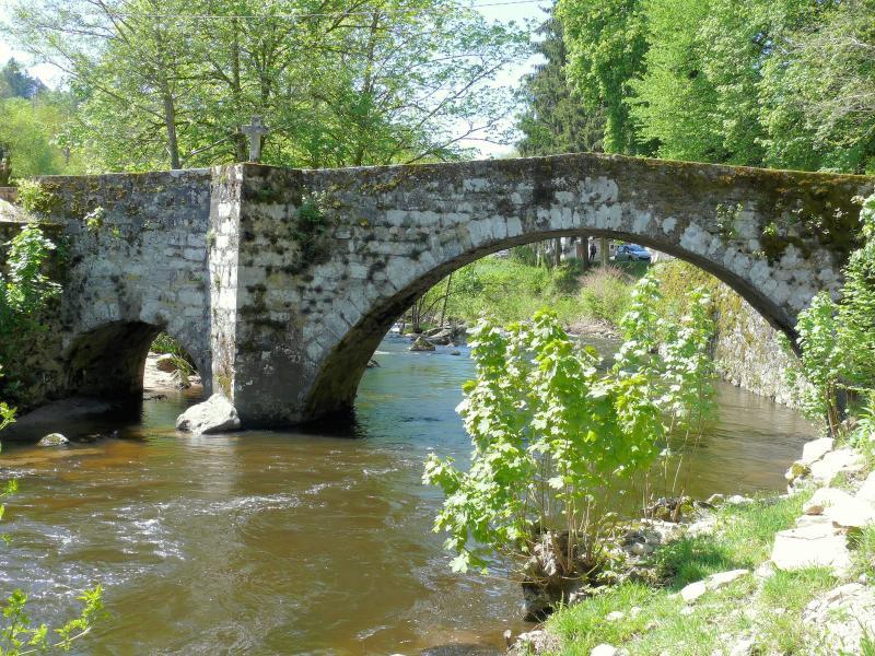 Pont Notre-Dame à Corrèze