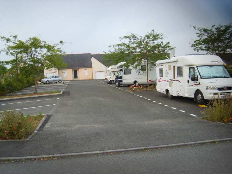 Aire de camping-car à Fontevraud-l'Abbaye
