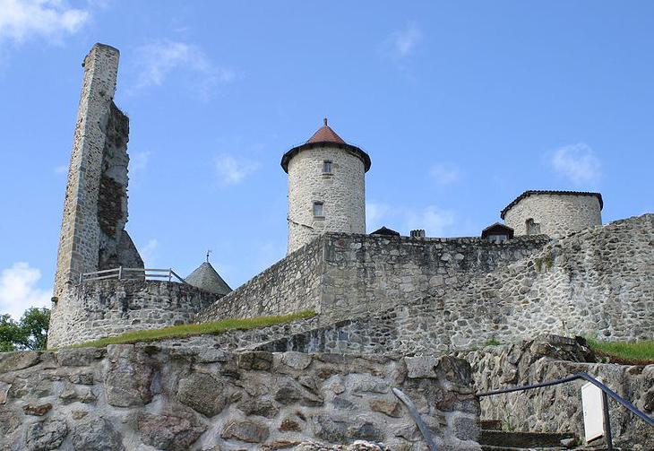 Chateau de Laroquebrou