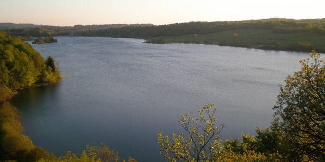 Pic de l'Aigle avec vue sur le Lac d'Ilay