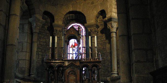 Coeur de l'église St Georges à Riom-ès-Montagnes