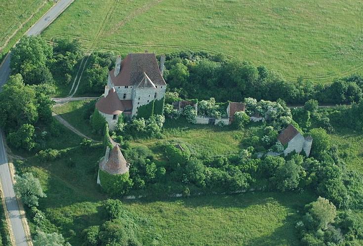 Châteaux et églises en Bourbonnais