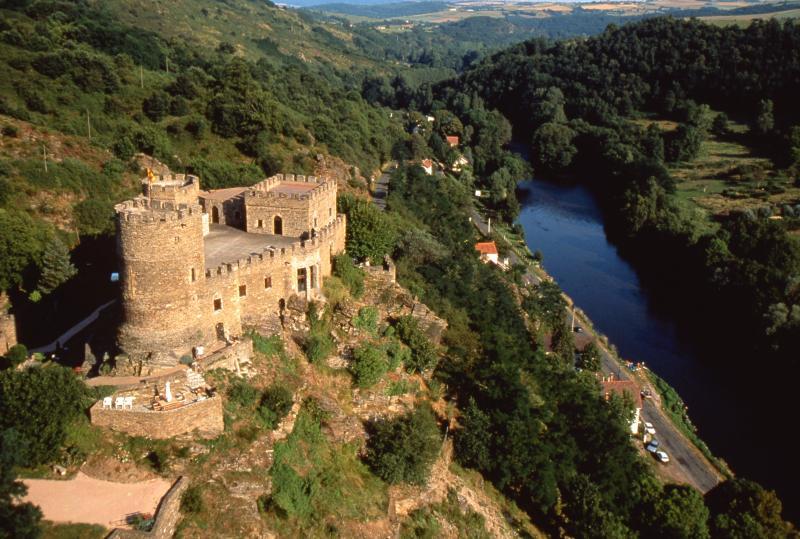 Gorges et châteaux de la Sioule