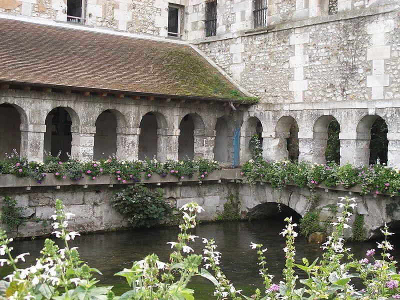 Cloitre des pénitents à Louviers