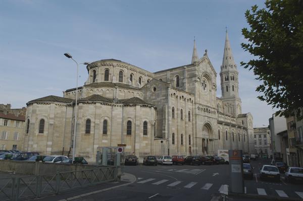 Eglise Saint-Pierre à Mâcon