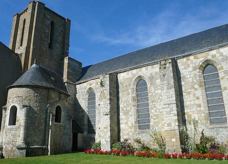 Collégiale Saint Georges à Pithiviers