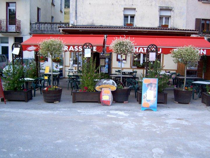 Brasserie le Château à Saint-Cirgues-en-Montagne