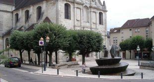 Eglise et fontaine de Vesoul