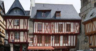 Place Henry IV à Vannes
