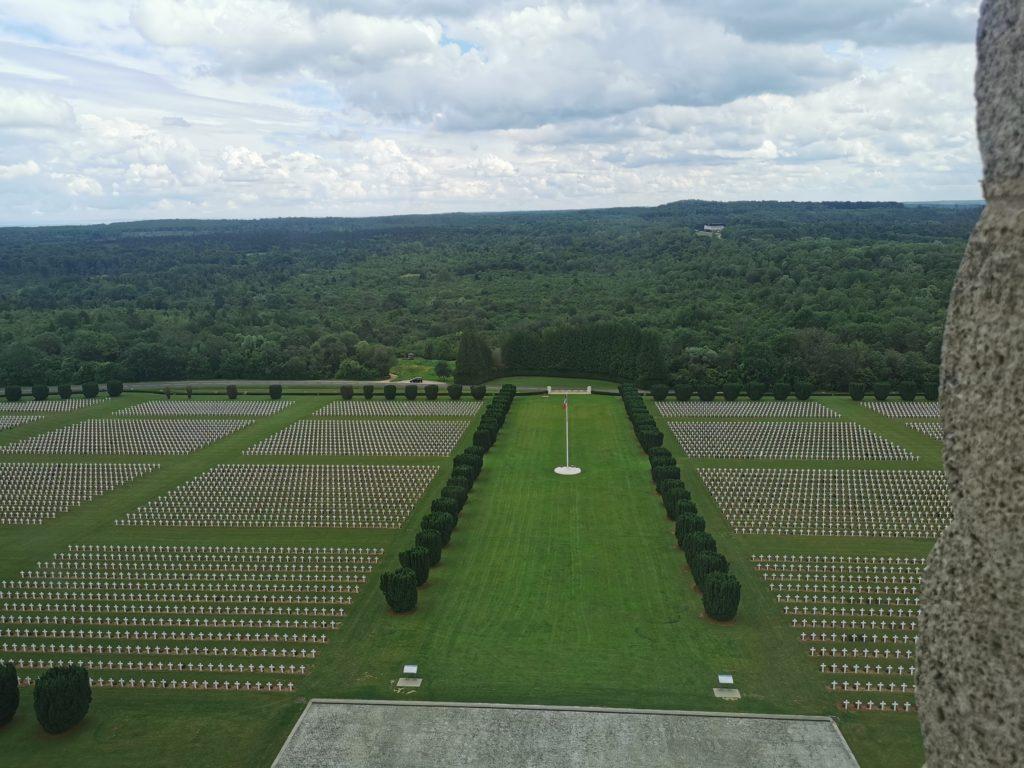 Ossuaire de douaumont près de Verdun