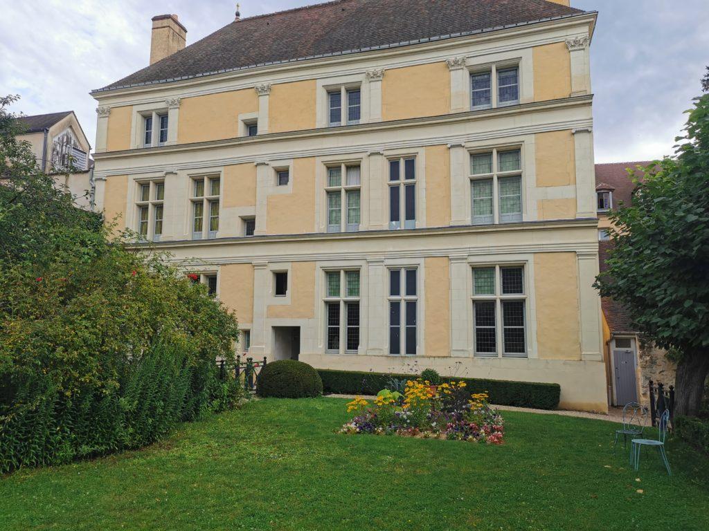 Jardin de la Maison La Fontaine à Château Thierry